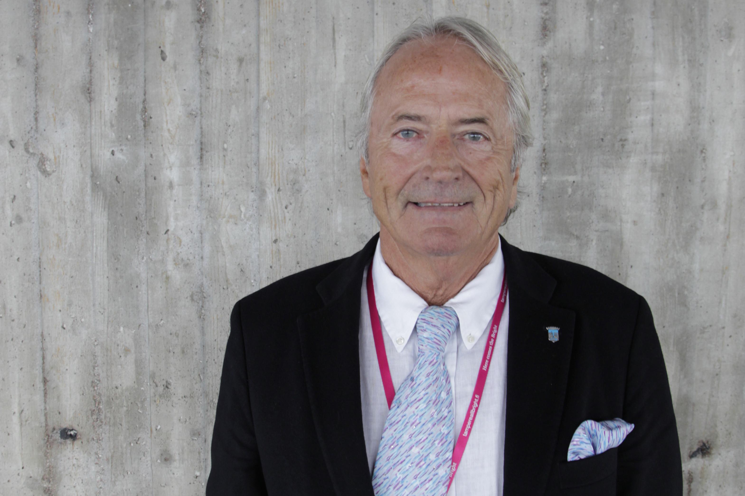 Lang og tro tjeneste. Harald Setsaas har vært konsul under åtte finske ambassadører i løpet av sine 31 år som konsul. Setsaas og hans far før ham har vært honorære konsuler i Finlands tjeneste i mer enn 50 år sammenlagt.