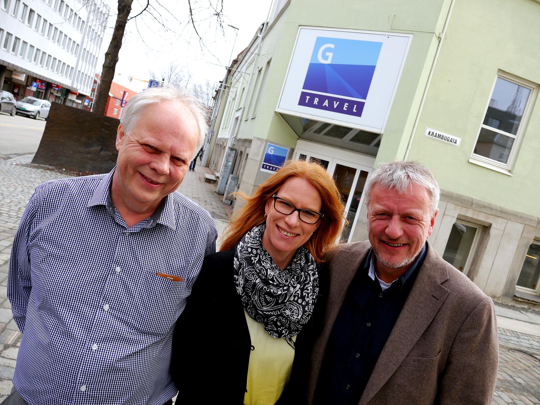 Blikket rettet fremover. Daglig leder Sigbjørn Hoff, salgsleder Karen Larsen og markedssjef Anders Aursand i G Travel i Dronningensgate 1. Tekst og foto: Jan-Are Hansen.