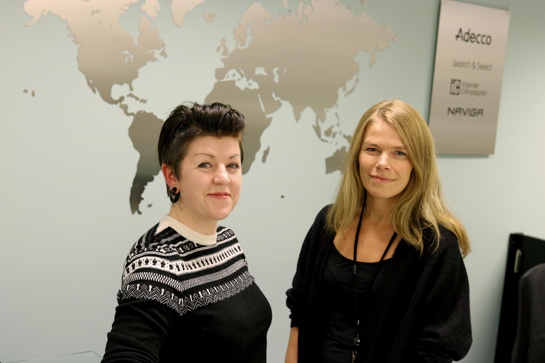 Bratt læringskurve, varierte oppgaver og stor frihet. Slik er tilværelsen som midlertidig ansatt for Anniken Edelsteen (t.v.). Gjennom Wenke Eriksen i Adecco, har Anniken fått utfordringene hun lette etter i arbeidslivet.