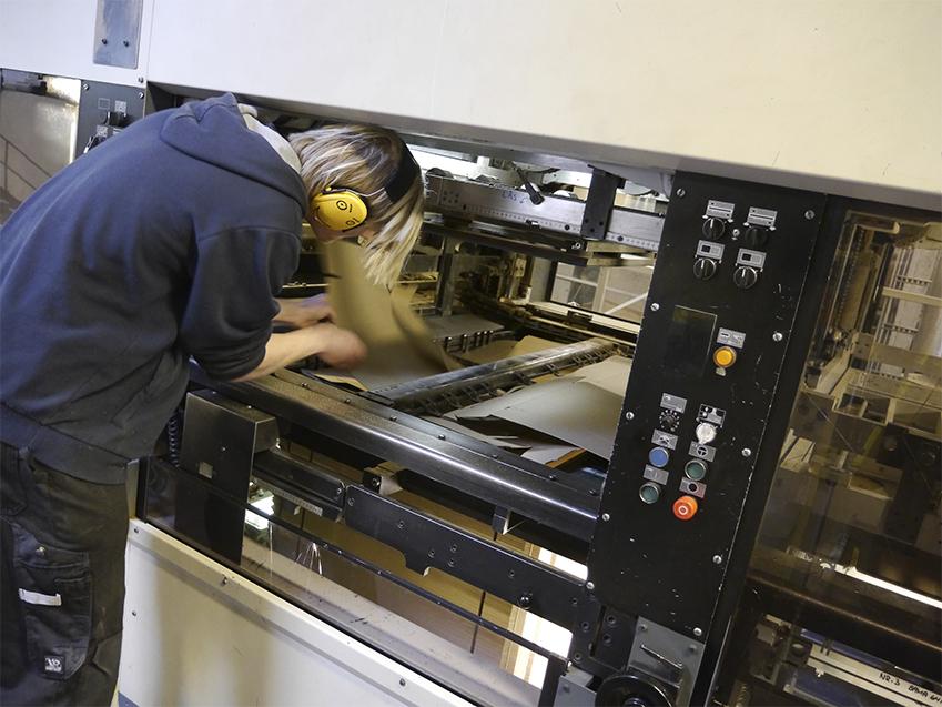 Paper jam kan skje også på en papirfabrikk.