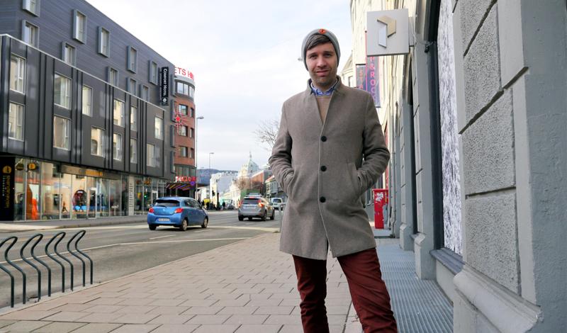 Offensiv redaktør med Amedia i ryggen. - Byens befolkning har lenge etterspurt en ny og annerledes meningsbærer og nyhetsformidler, mener Arne Reginiussen.