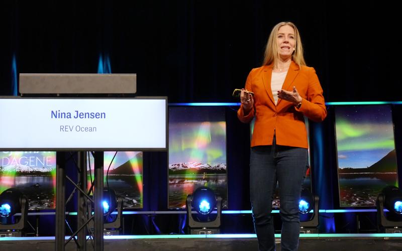 På Sjømatdagene. Nina Jensen, administrerende direktør i REV Ocean, beskriver det nye forsknings- og ekspedisjonsskipet som verdensledende.