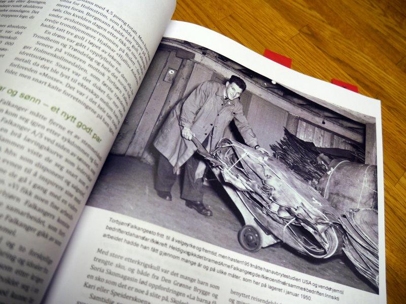 Vi er i ferd med å ferdigstille jubileumsboka, forklarer Thor Arne Falkanger og gir Midtpunkt en liten tyvtitt.