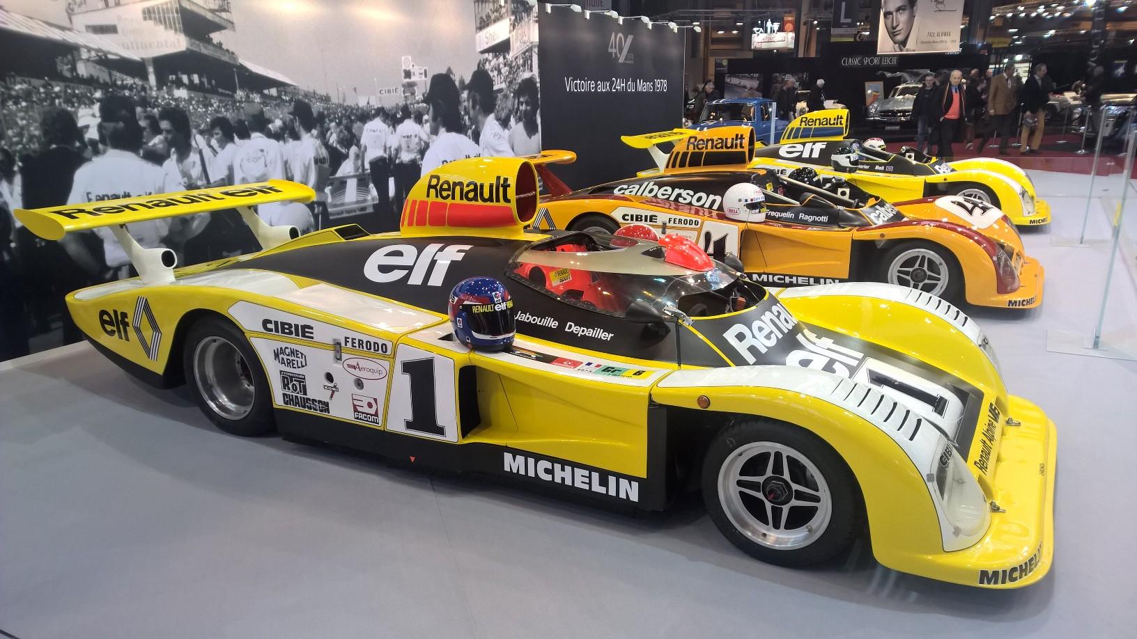 For å feire at det er 40 år siden Renault vant Le Mans, tok Renault med alle fire bilene som man brukte under løpet i 1978 (selve vinnerbilen stod litt bortenfor de andre tre) fra museumssamlingen sin. Et herlig skue, og en fin detalj var at man hadde lagt hjelmene til alle førerne på hver sin bil (den gangen var det to førere som delte på å kjøre 24-timers løpet).