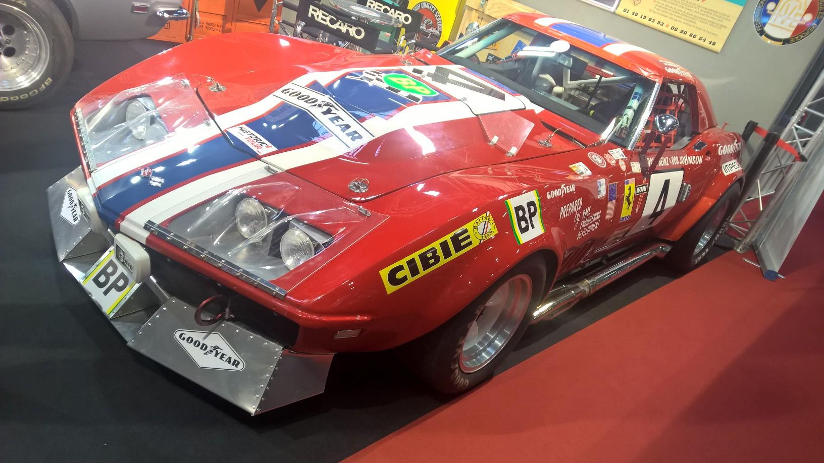 24-timers løpet på Le Mans er verdens kanskje mest berømte billøp, og opp gjennom årene har det rullet mye gromt fra USA i løpet. En av de tøffeste i så måte er denne Corvetten som NART-teamet (i bunn og grunn et Ferrari-team, derav Ferrari-logoen på sidene) stilte med i 1972. De klarte en femtendeplass sammenlagt med den nydelige ZL1-utrustede Corvetten. Dette er denne bilen, dessverre uten ZL-1 motoren, men med en annen 427-motor i stedet.