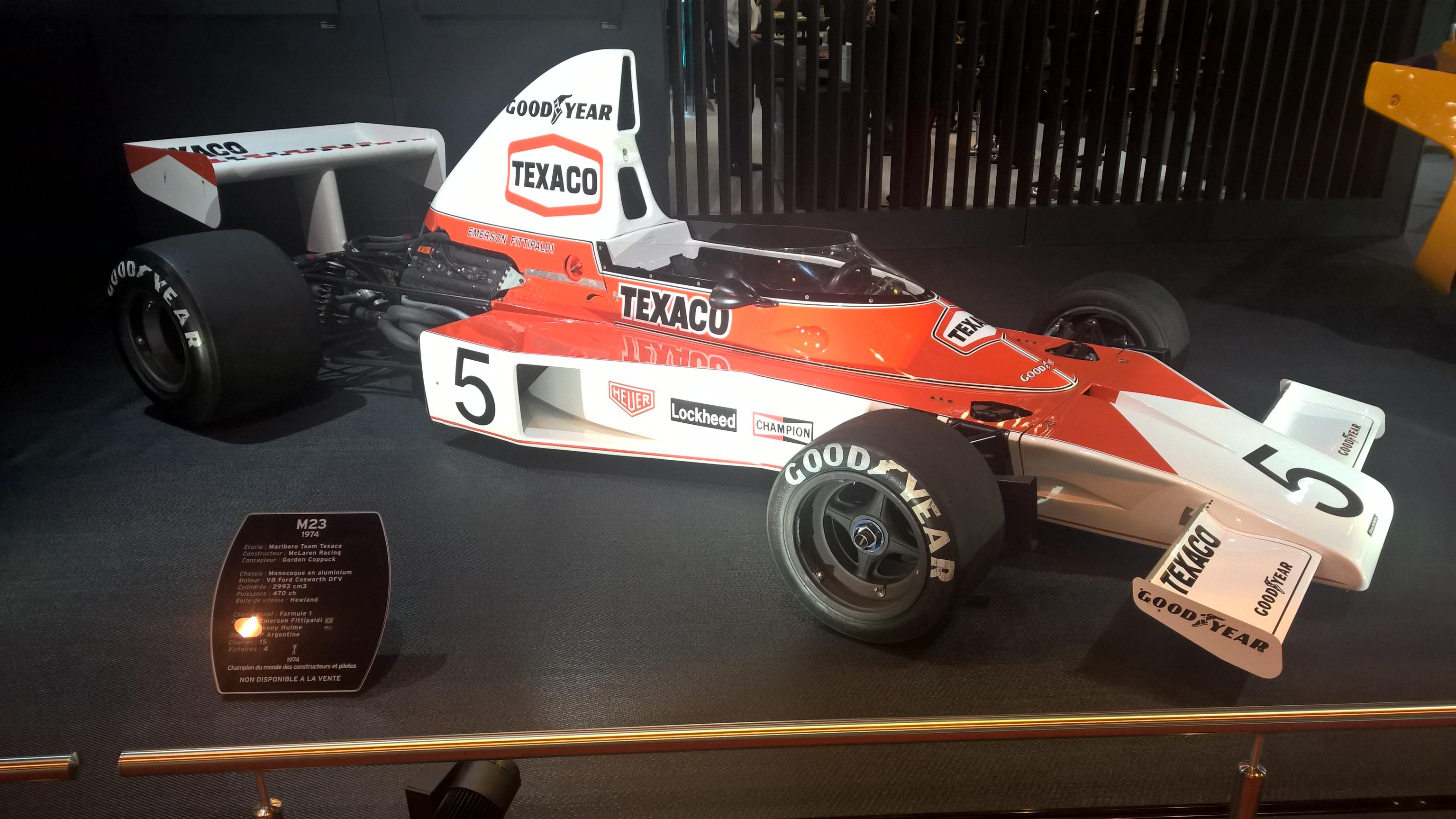 Det er mange klassiske Formel 1-biler å se på messen, og det blir ikke tøffere enn Emerson Fittipaldi sin McLaren M23 fra 1974, som han ble verdensmester med det året.