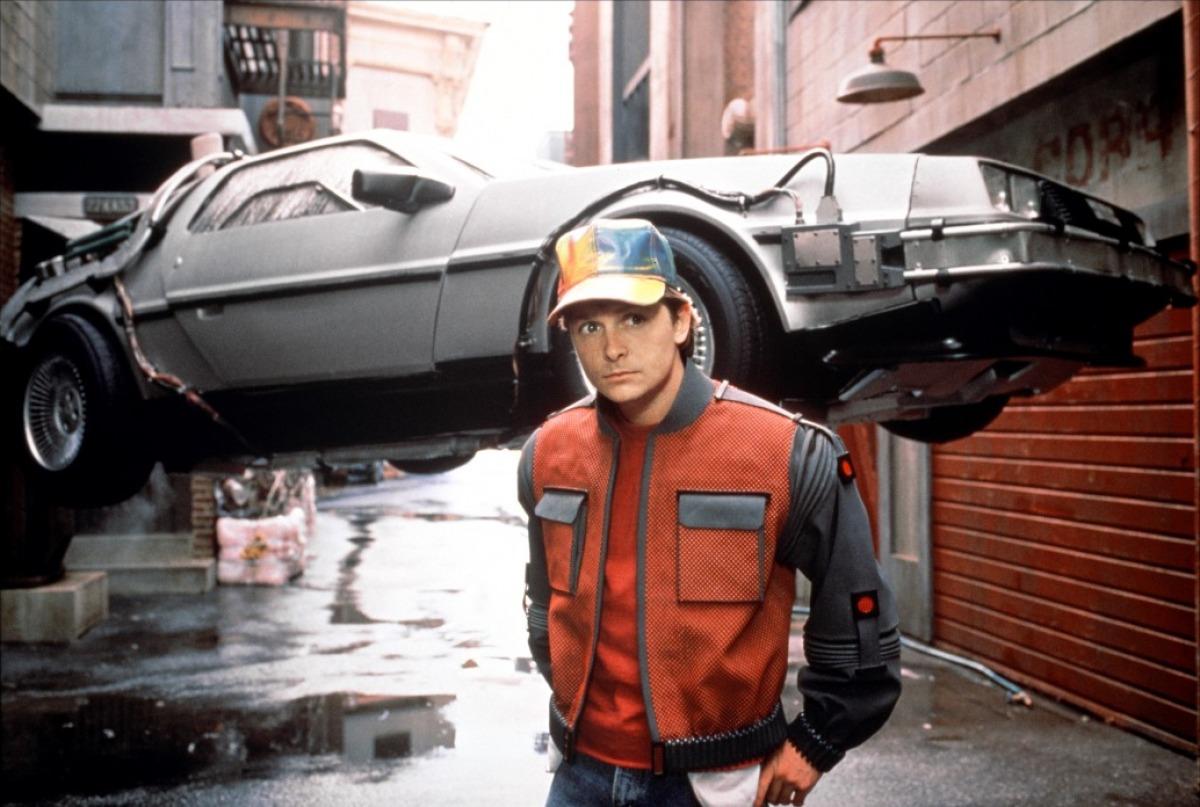 DeLoreans drømmebil ble verdensberømt, men det skyldtes ''Back to the future'' filmene (her fra den andre filmen, hvor Marty McFly har reist inn i fremtiden med tidsmaskinen).