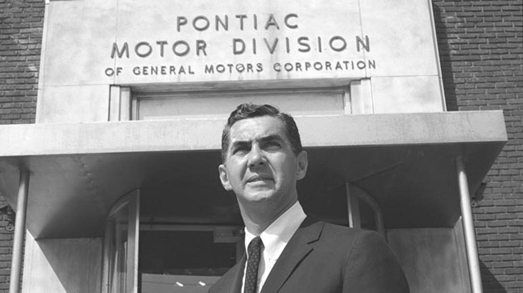Pontiac Motor Division var på mange måter høydepunktet for Johns karriere, men det visste ingen da.
