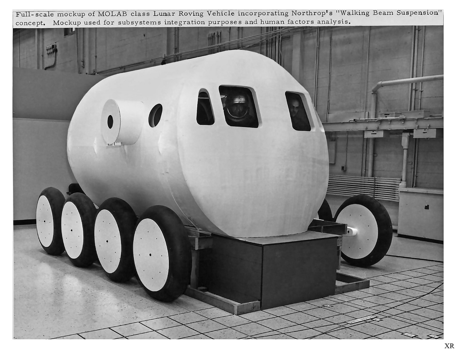 Northrop Corporation har bygget mange legendariske jagerfly opp gjennom årene, og lagde også MOLAB-konsepter på 60-tallet. Her ett fullskala-konsept med «Walking Beam Suspension» fra 1964.