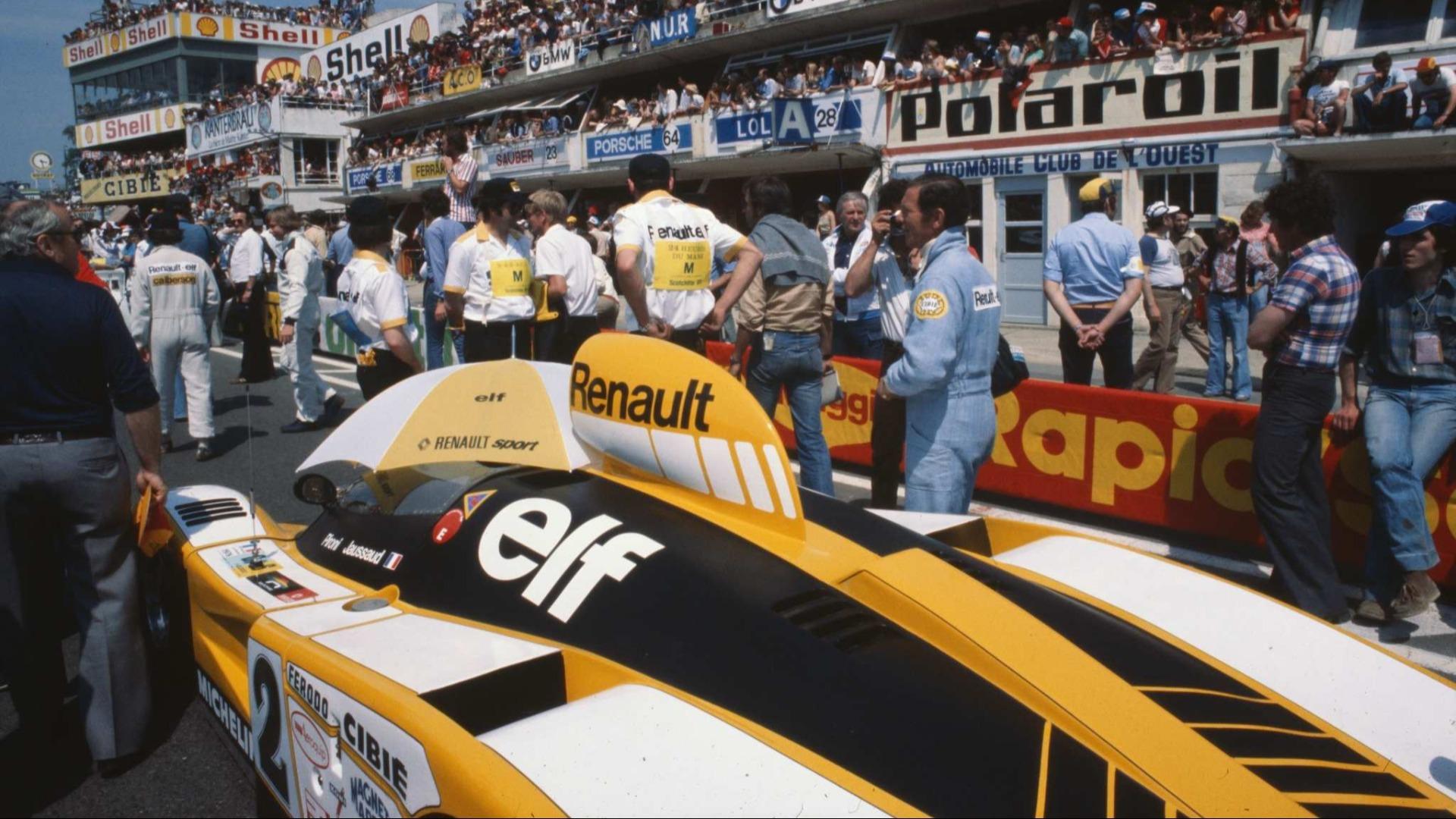 Det nærmer seg start for 24-timers løpet på Le Mans i 1978. #2 ble tilslutt vinnerbilen.