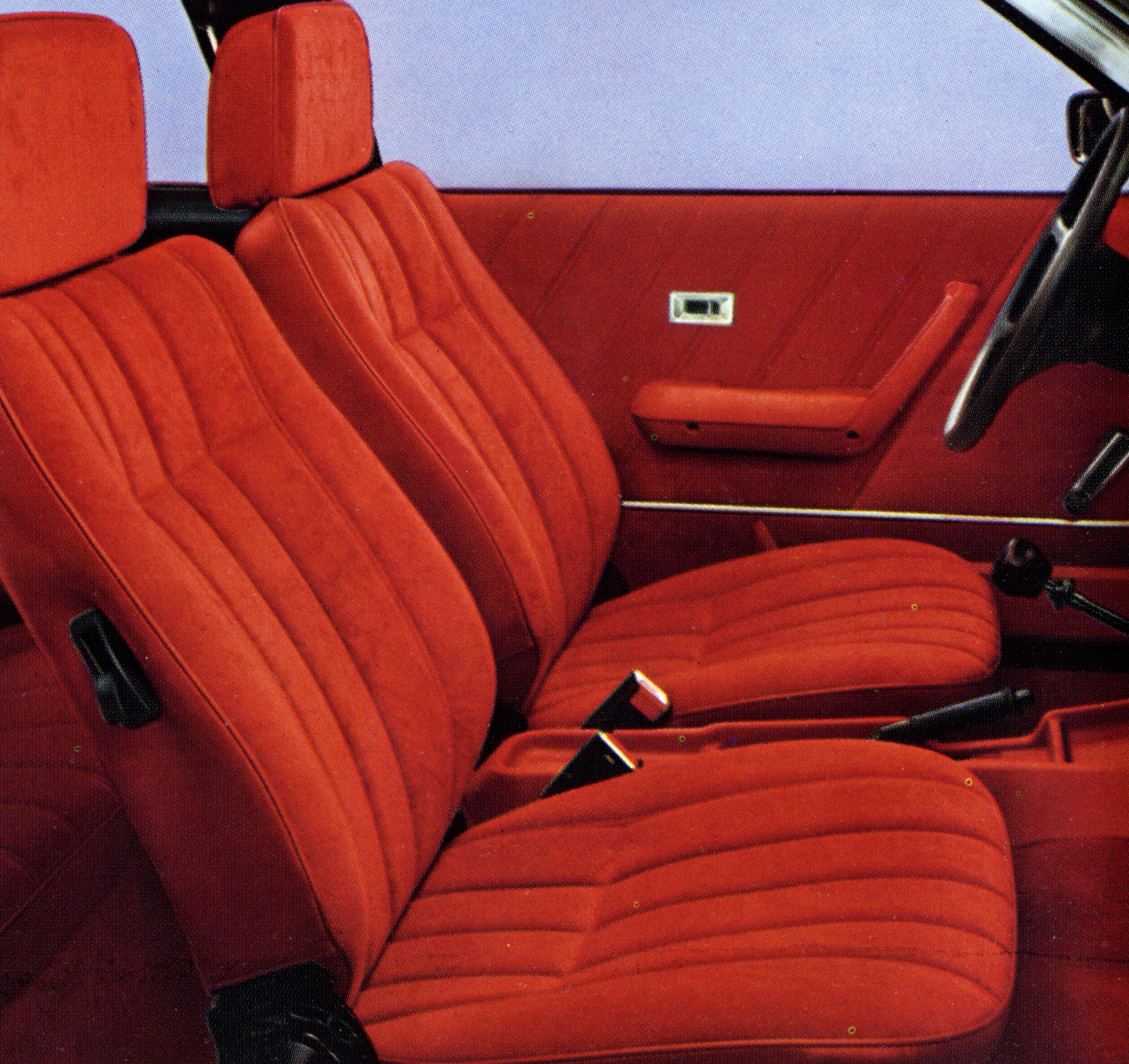 I Berlinetta-Mantaene ble store deler av interiøret trekt opp i velour.