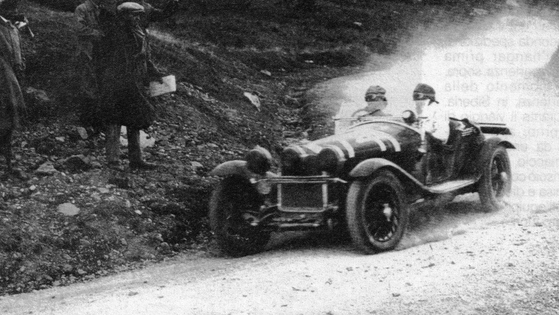 Varzi under Mille Miglia i 1930, hvor han måtte gi tapt til erkerivalen Nuvolari.
