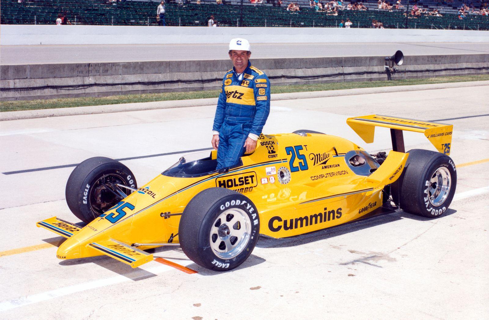 Al Unser ble tilkalt for å være erstatningsfører i Indy 500 i 1987. Det var en sjanse han tok utmerket vare på… Foto: Indianapolis Motor Speedway