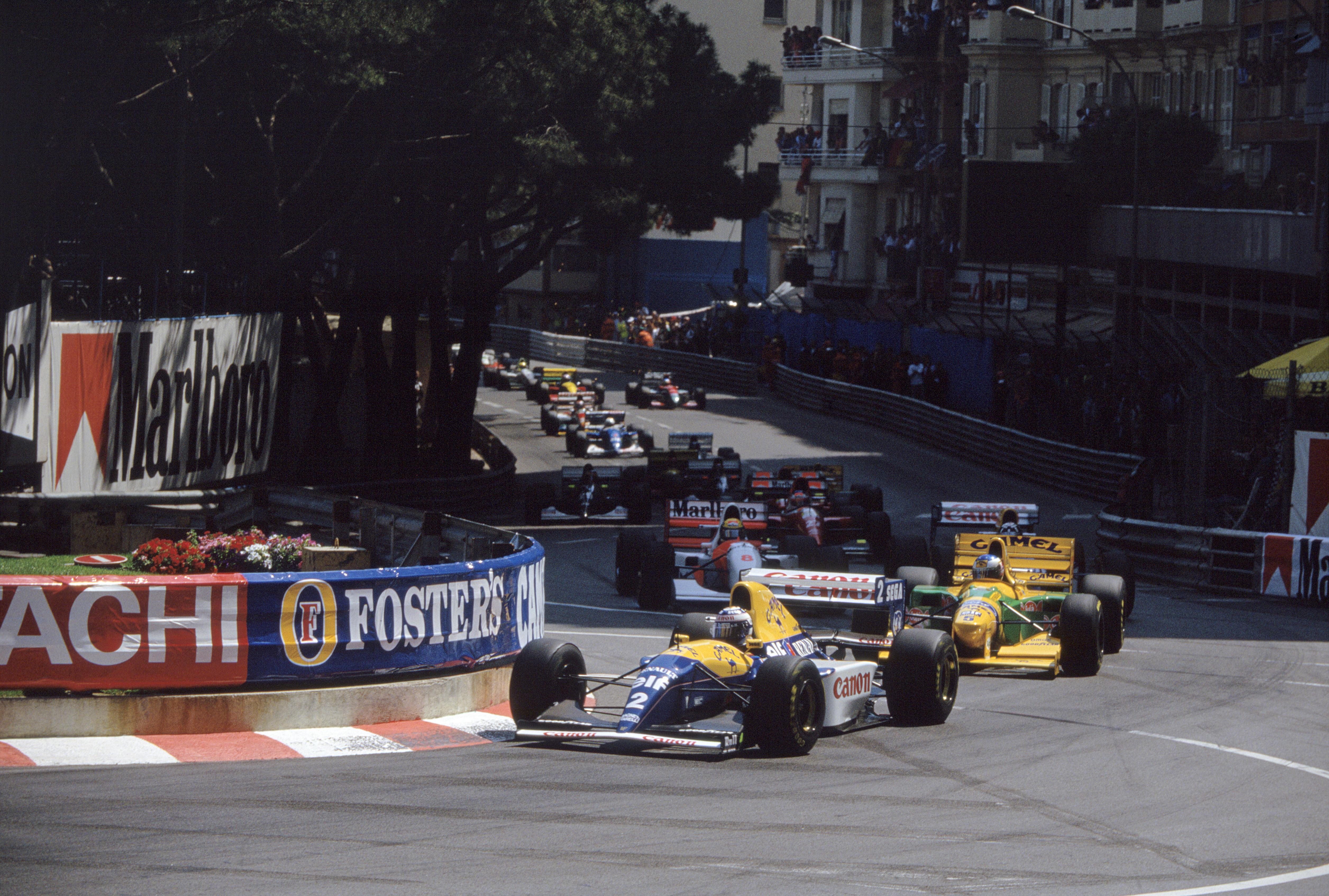 VM-tittel nummer 4 ble nærmest en formalitet i 1993, i en fullstendig overlegen Williams. Her leder han Monaco GP foran Schumacher, Hill og løpets vinner Senna. Foto: Williams