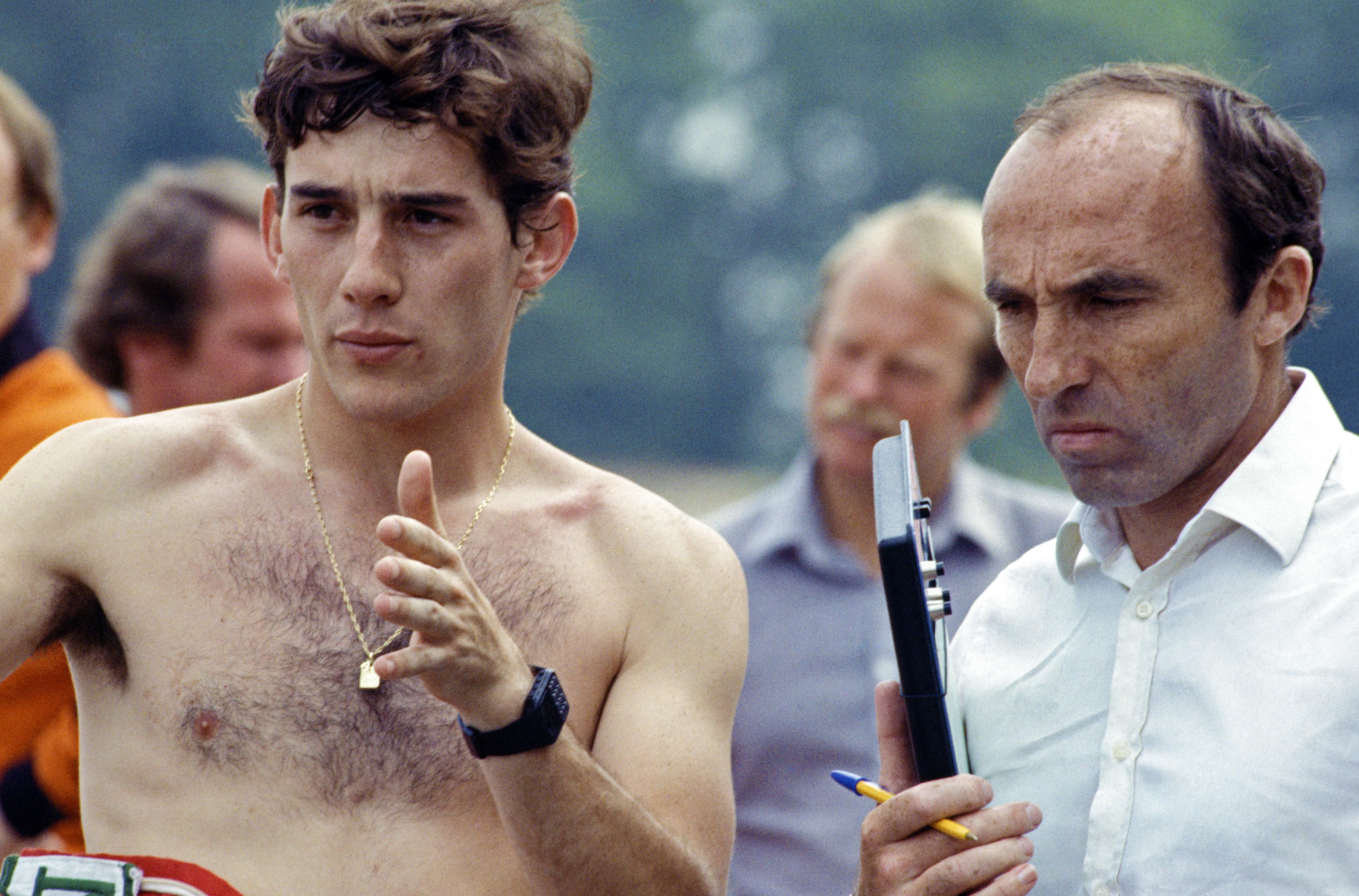 En ung Senna i 1983 sammen med Frank Williams. Foto: Williams