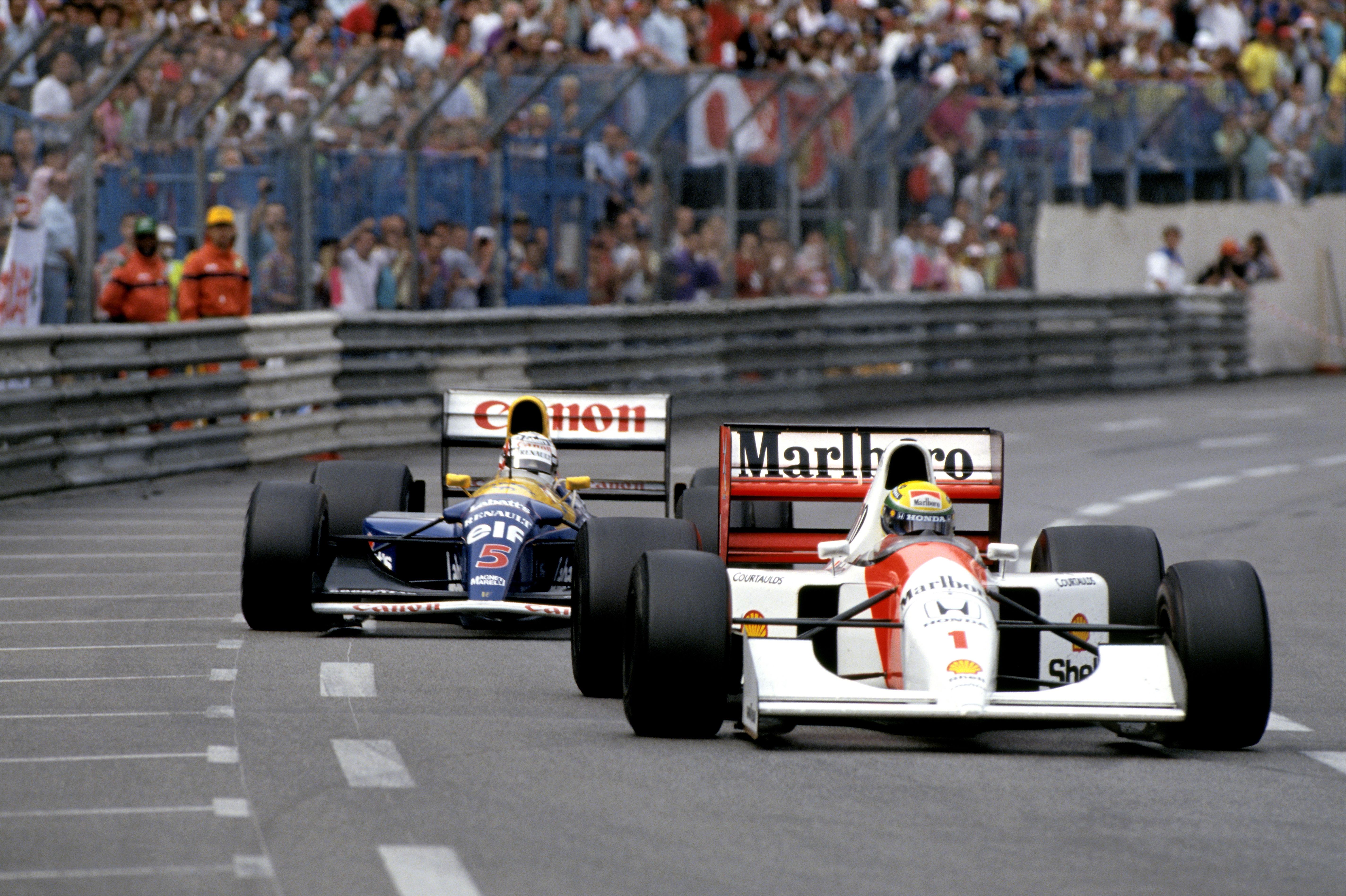 Mot slutten av Monaco GP 1992 ble Senna hardt presset av Mansell i sin overlegne Williams på nye dekk. «Ingen andre enn Senna kunne ha vunnet, alle andre ville ha gjort en feil i hans situasjon», sa Gerhard Berger etterpå. Foto: Williams