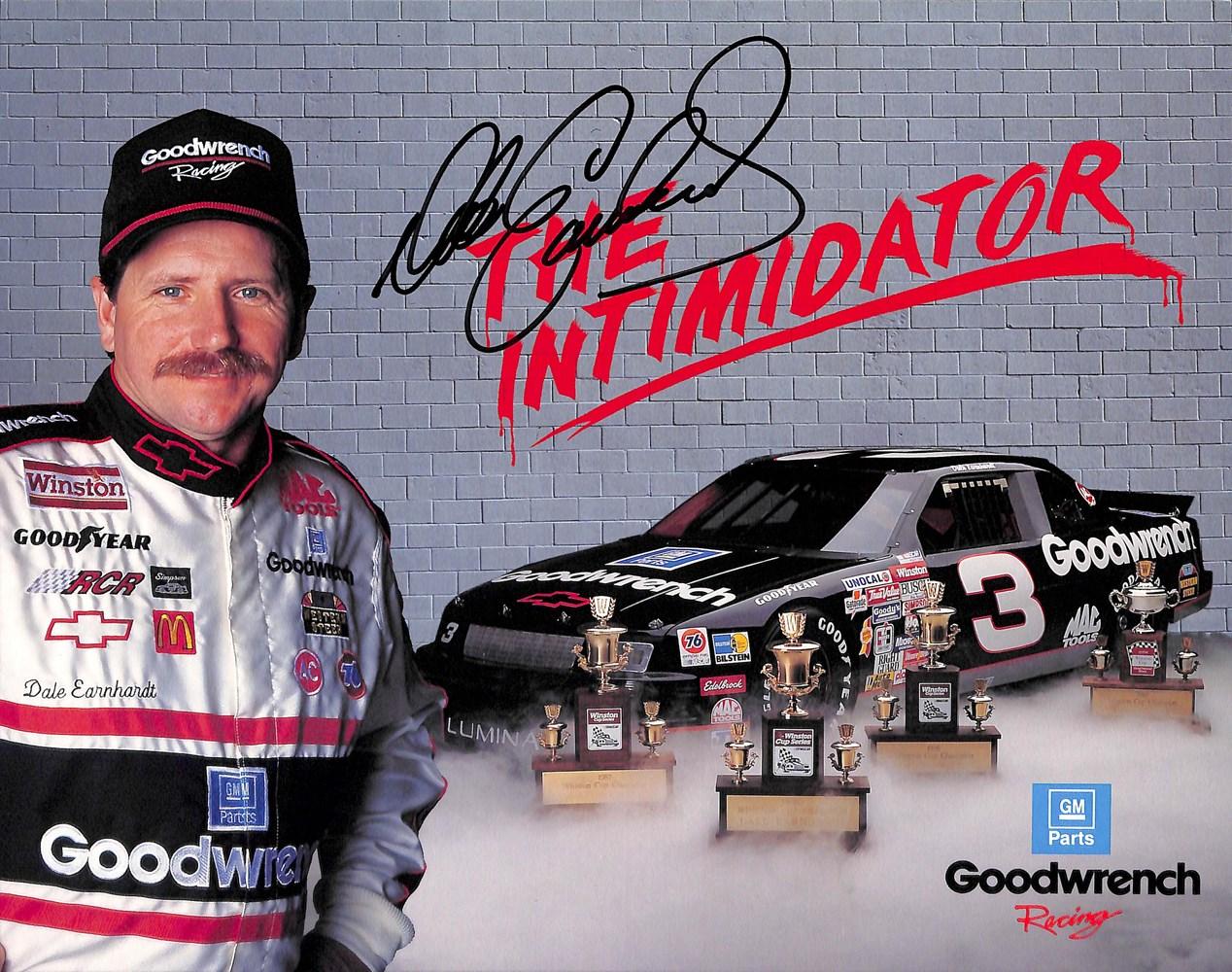 «The Intimidator». Et kallenavn Earnhardt visste å markedsføre.