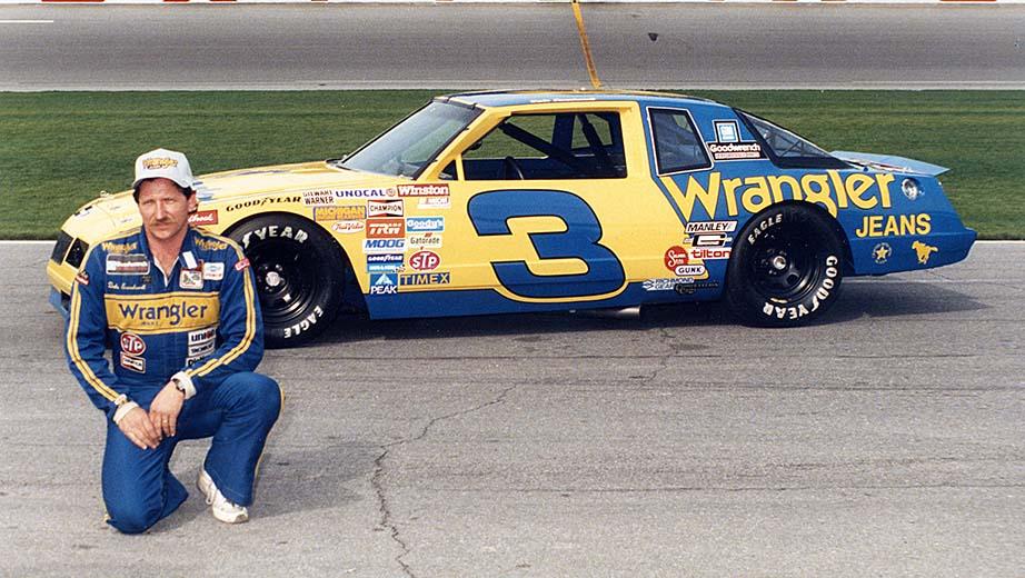 På tidlig 80-tall var Earnhardt synonymt med de blå og gule fargene til Wrangler Jeans.