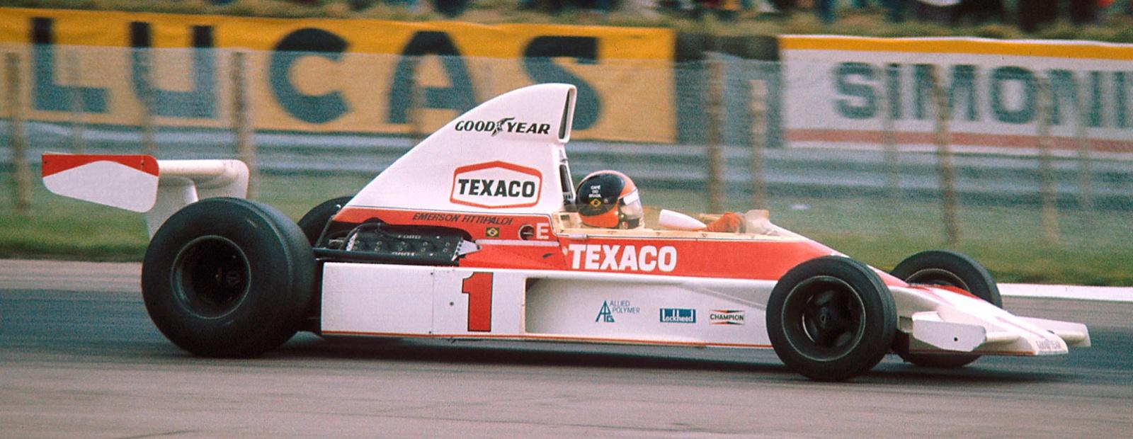 I 1975 kunne Emmo kjøre med #1 på bilen etter VM-tittelen året før, og leverte en god sesong med andreplass totalt. Foto: Wikipedia