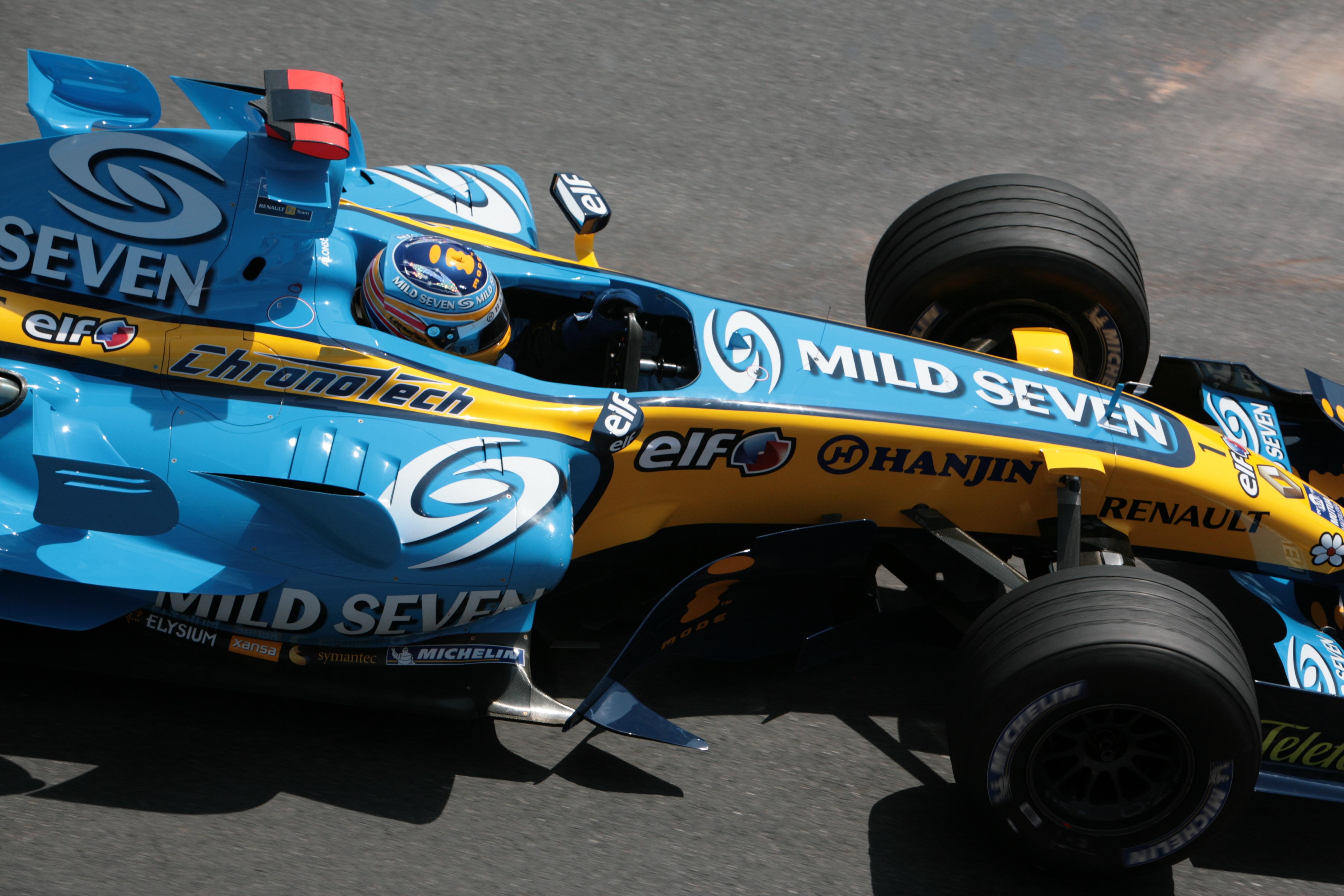 Alonso ble superstjerne da han detroniserte Schumacher i 2005 og 2006-sesongene. Foto: Wikipedia