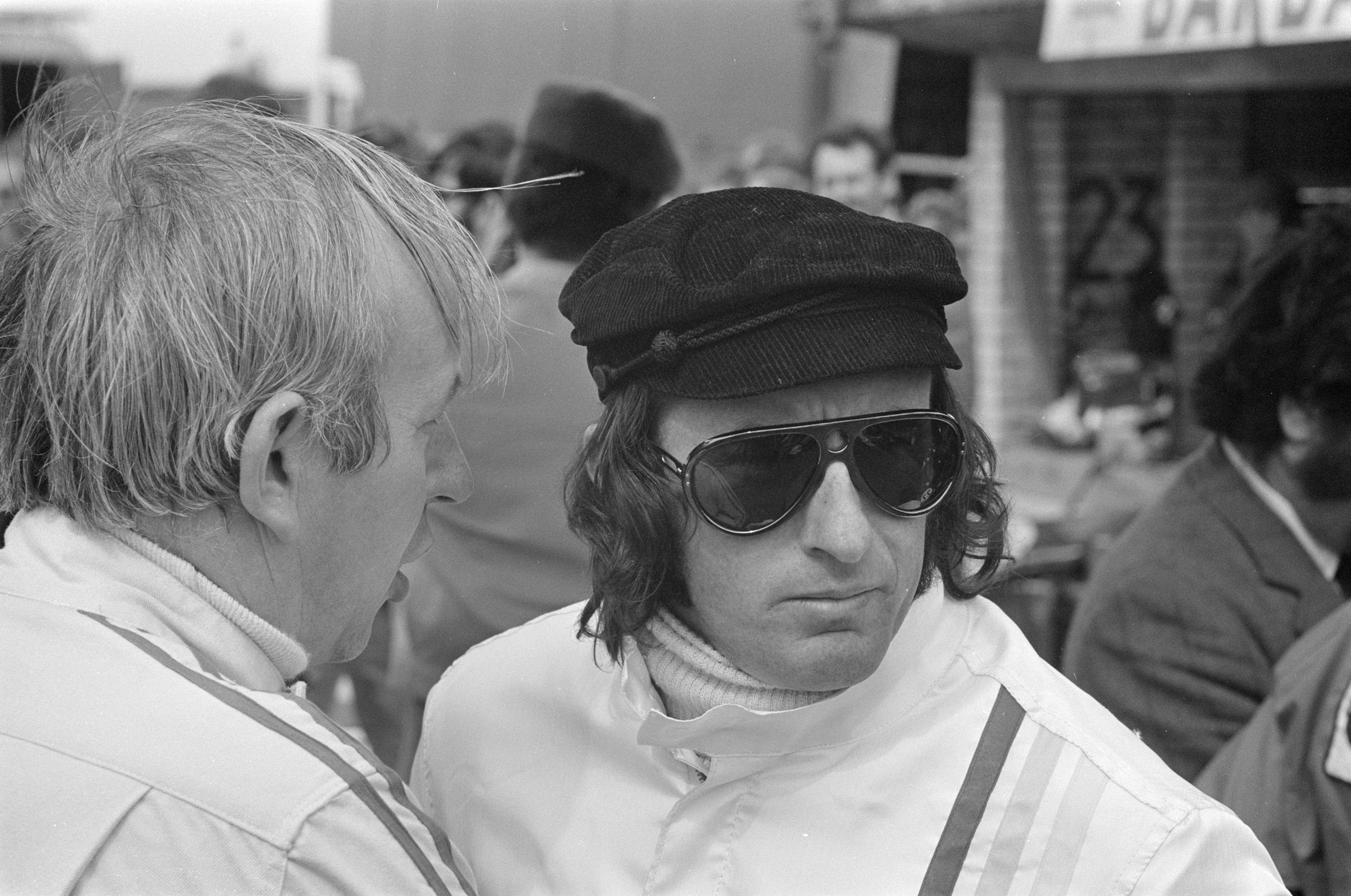 Stewart fulgte datidens mote, og stilte med stort kinnskjegg og for sin tid langt hår på tidlig 70-tall. Det falt ikke i smak hos alle. Foto: Wikipedia