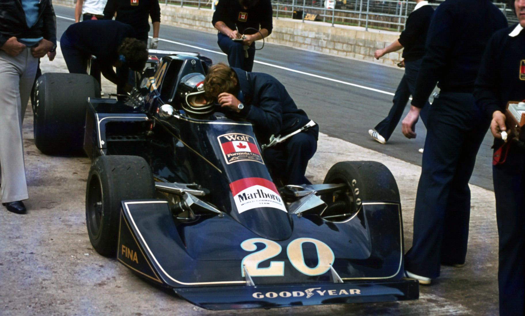 I 1976 kjørte Ickx for flere ulike team i Formel 1, her i en Wolf-Williams FW05, som var et samarbeid mellom teamene til Frank Williams og Walter Wolf.