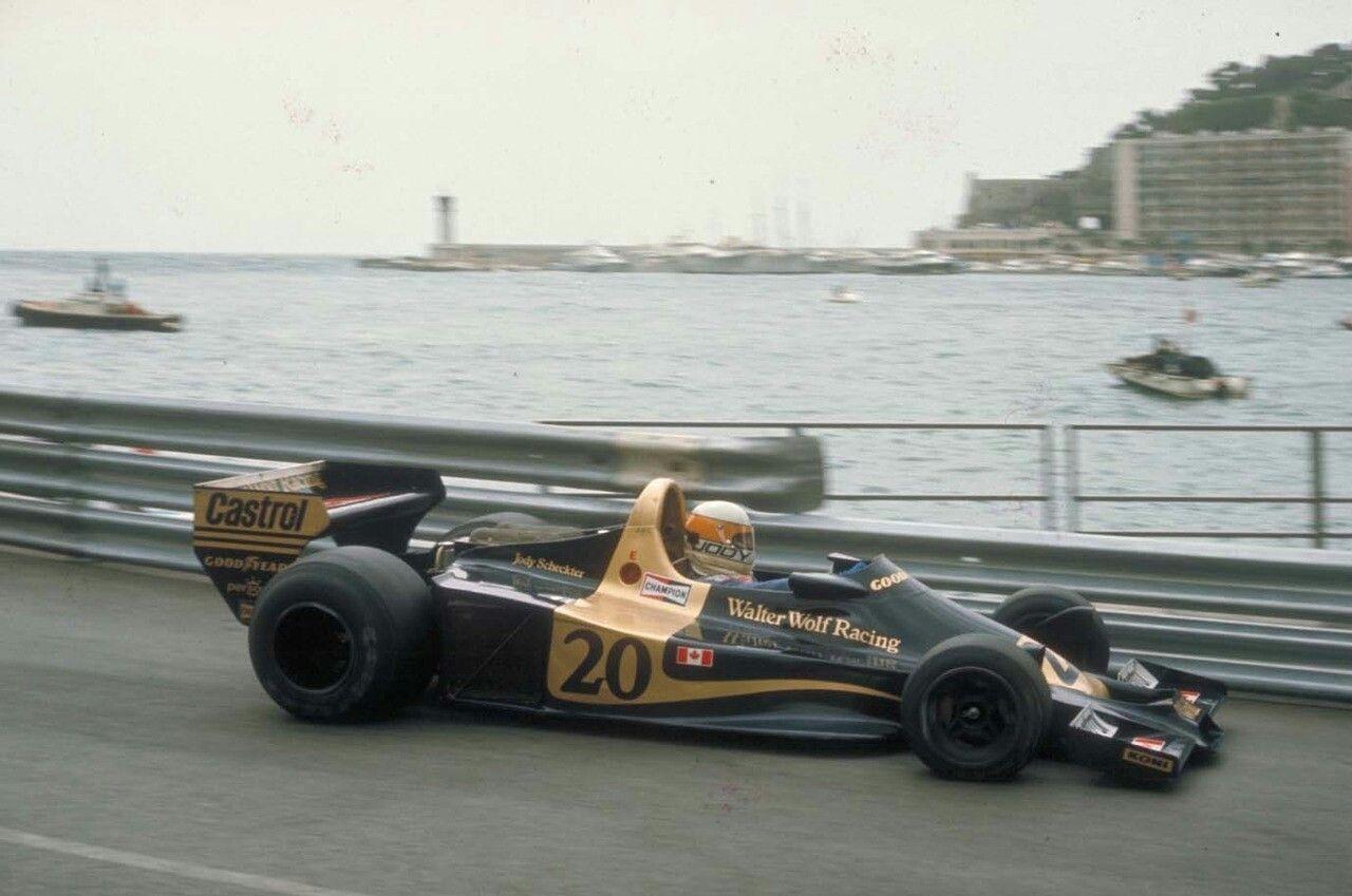 Jody Scheckter på vei til seier i Monaco GP 1977, den andre av i alt tre seire det året for Wolf-teamet.