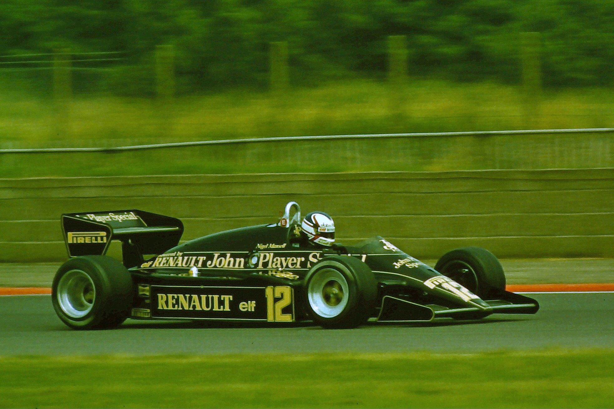 Mansell kjørte for Team Lotus fra 1980 til 1984, uten egentlig å imponere noen. Her er han avbildet i 1983, et år hvor han nok en gang leverte lite.