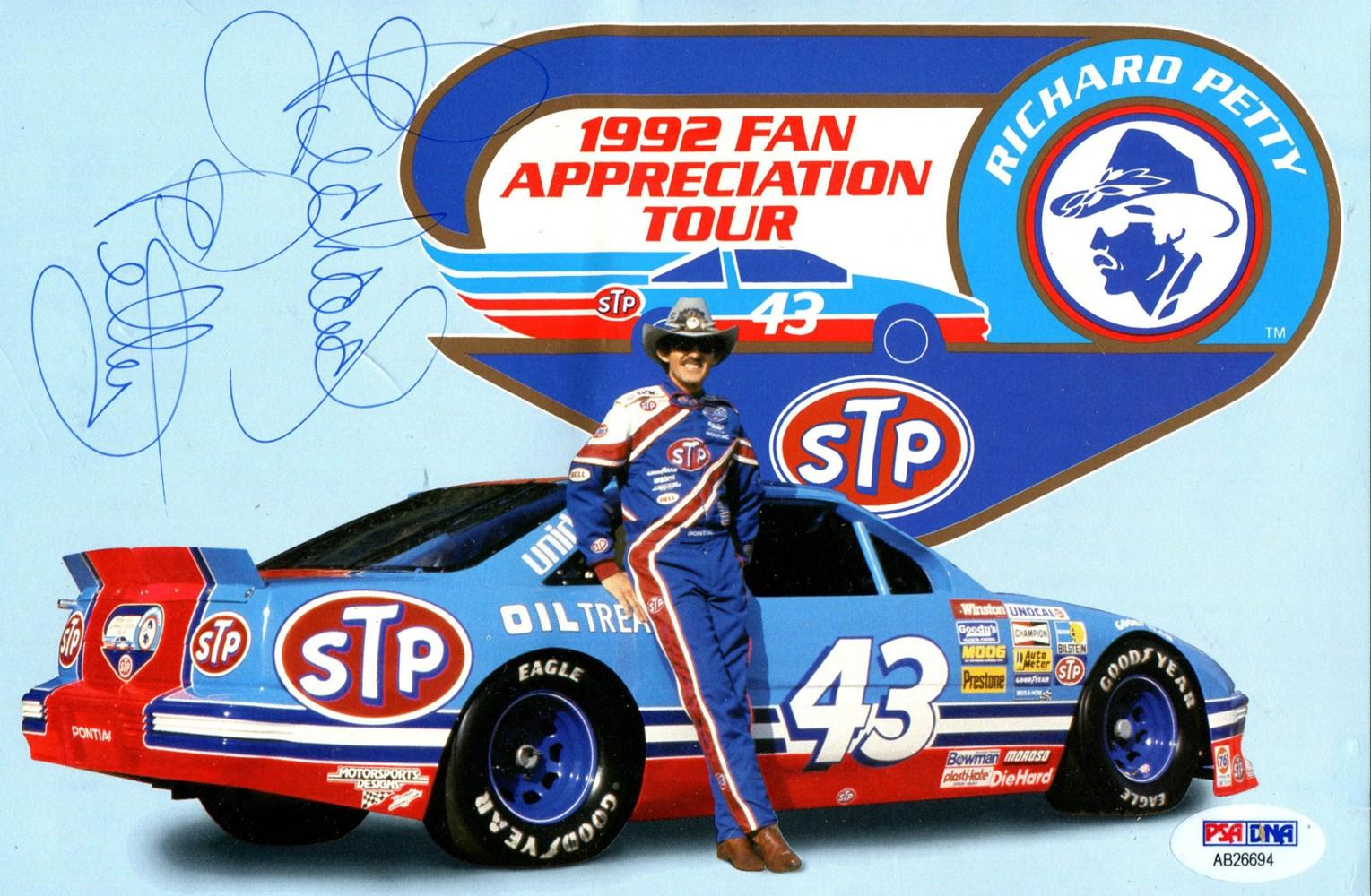 Petty kjørte Pontiac den siste delen av karrieren, her fra hans 1992 Fan Appreciation Tour for å markere hans siste sesong.
