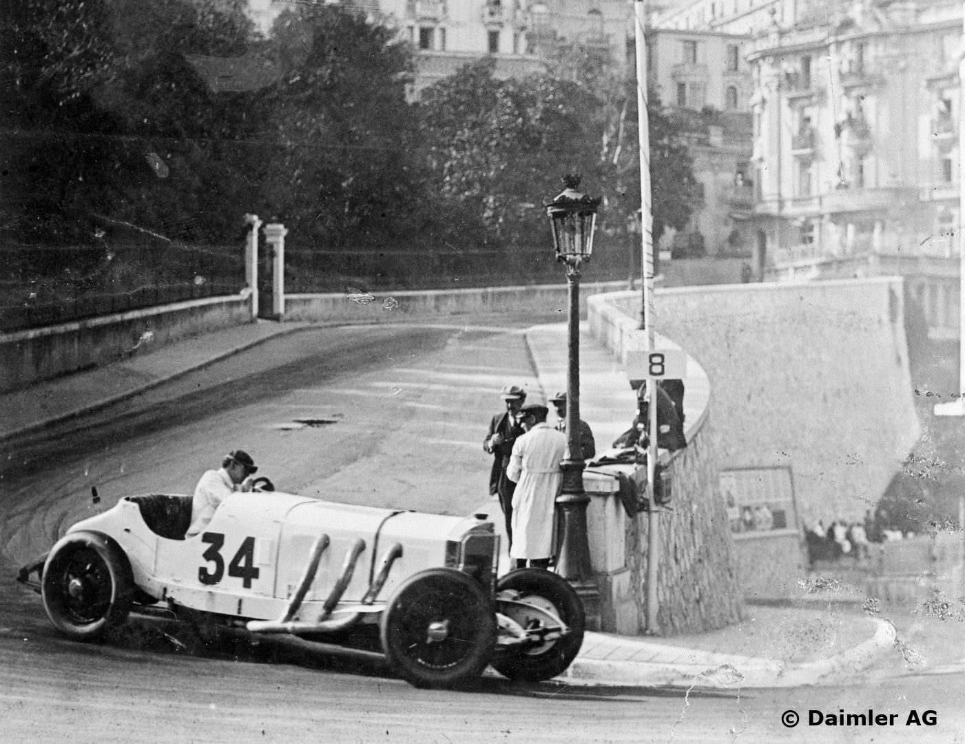 Caracciola bak rattet på sin gedigne Mercedes-Benz SSK i 1929 Monaco Grand Prix, hvor han tok tredjeplassen. Foto: Daimler AG