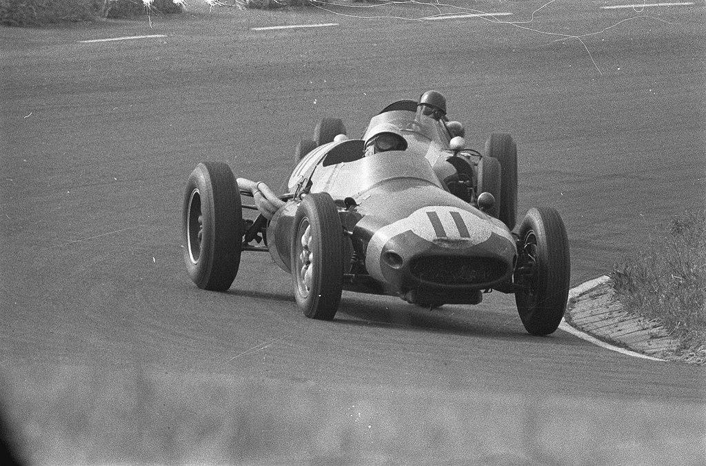 Moss kjørte i årevis for privatteamet til Rob Walker i Formel 1, en nærmest uforståelig avgjørelse, med tanke på mannens status som verdens beste på det tidspunktet.
