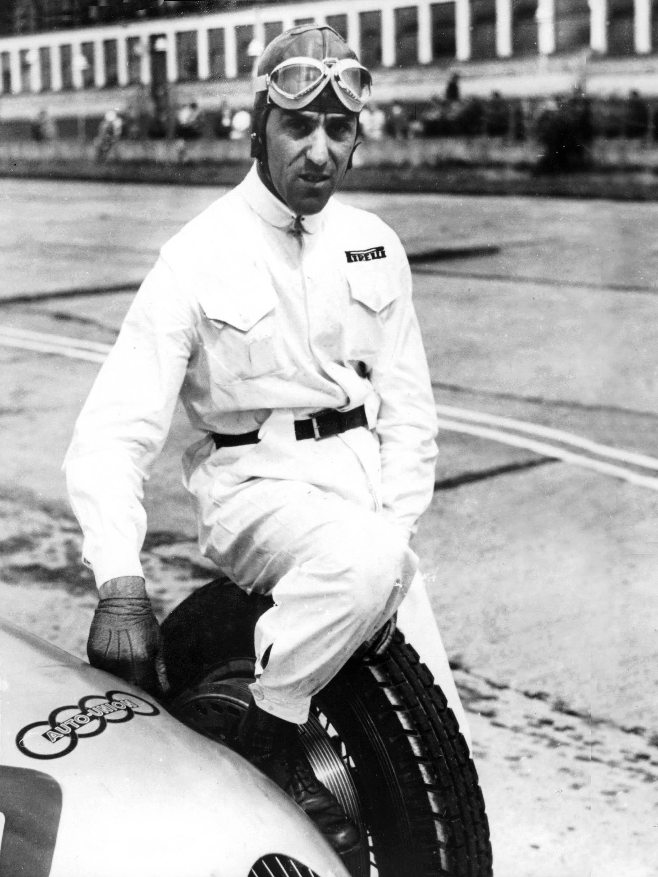 I 1938 og 1939 fikk endelig Tazio kjøre for et av de to tyske supermerkene, og han leverte varene for Auto Union. Foto: Audi