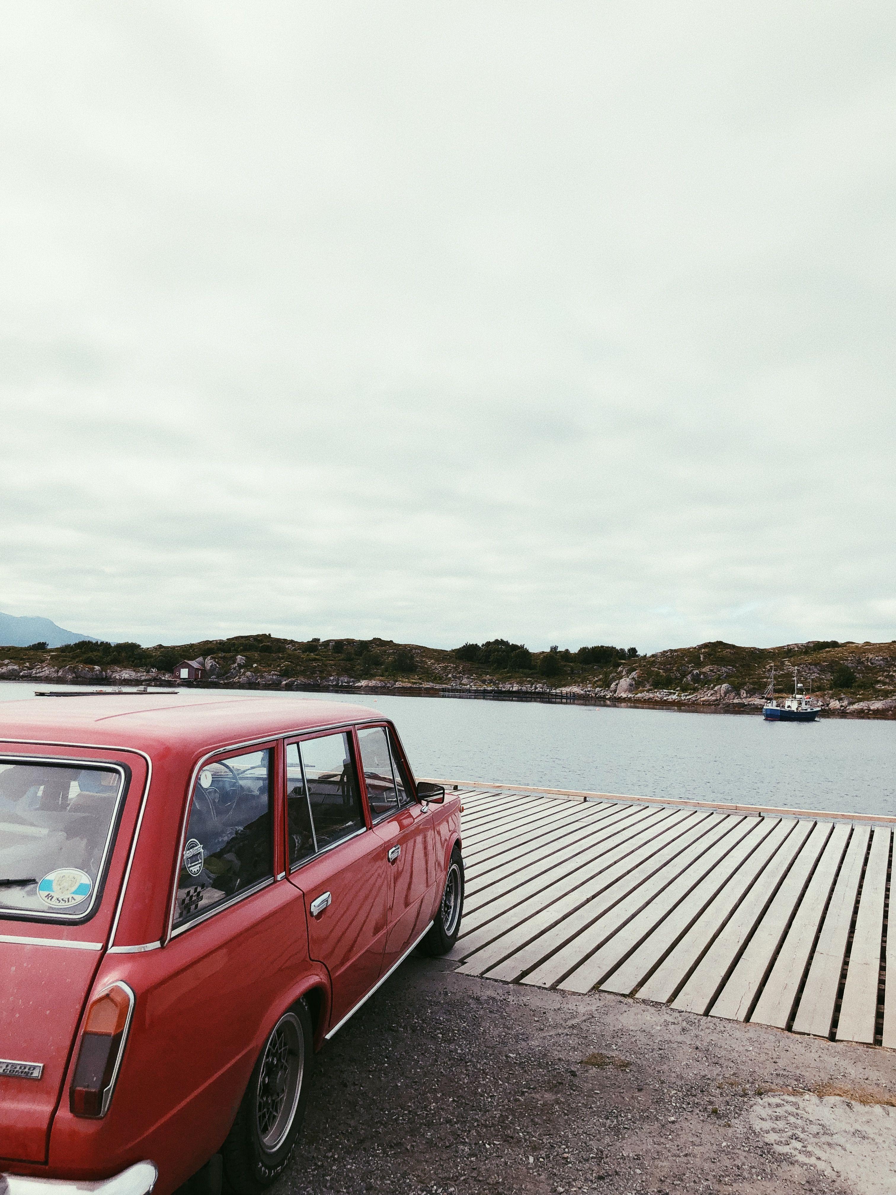 Håvard drar mye på tur med bilen sin, noe som fører til mange flotte bilder.