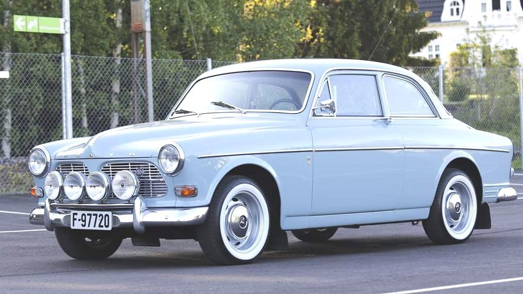 Er det ikke vakkert når bilen er så fin at dette like gjerne kunne vært et fabrikksbilde fra 1966?