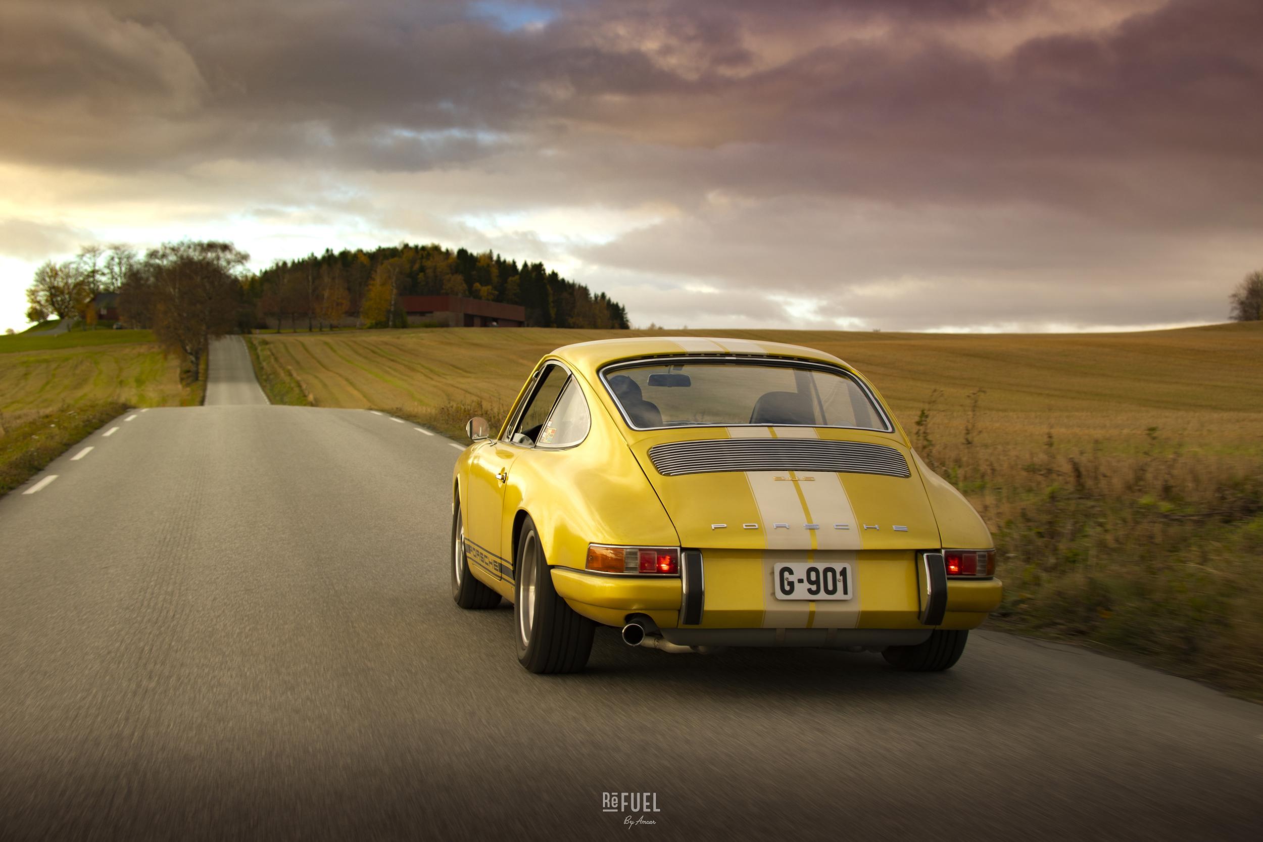 Porschen blir mye brukt, selv på kalde høstkvelder som denne.