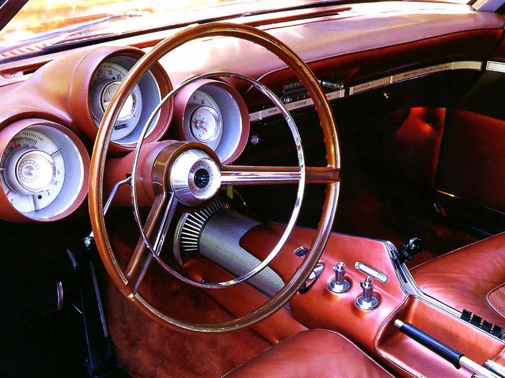 Av de litt mer uvanlige instrumentene i Chryslers turbinbil fant man en turteller som gikk til 66.000 omdreininger, og en temperaturmåler som gikk til 2000 grader Fahrenheit.