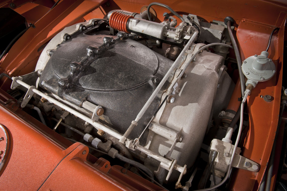 En jetmotor under panseret på en vanlig personbil? Det høres vilt ut, men i 1963 gjorde Chrysler det til en realitet.