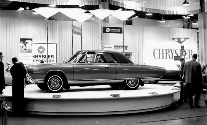 Chryslers turbinbil vakte begeistring på bilutstillinger verden rundt, her fra Chicago-utstillingen i 1964.
