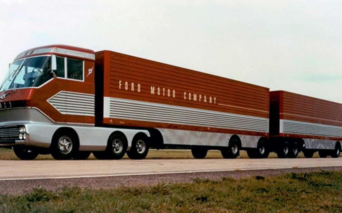 Ford lagde også en fullt kjørbar gassturbin-truck. Den dukket opp i 1964 og fikk kallenavnet «Big Red».