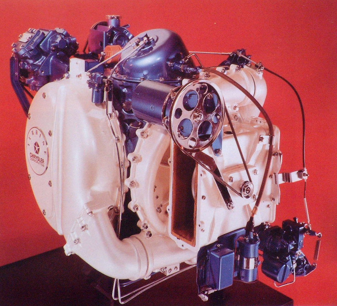 Slik så den ut, gassturbinmotoren som ble plassert under panseret på Chrysler turbinbil.