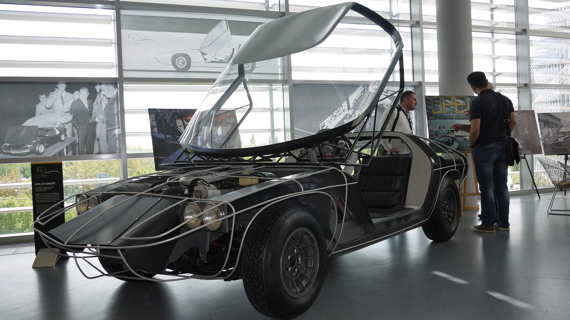 Den andre bilen som stod utstilt på Frankfurt-utstillingen i 1969, og som viste hvordan bilen var oppbygd. Foto: Lord Arnstein Landsem