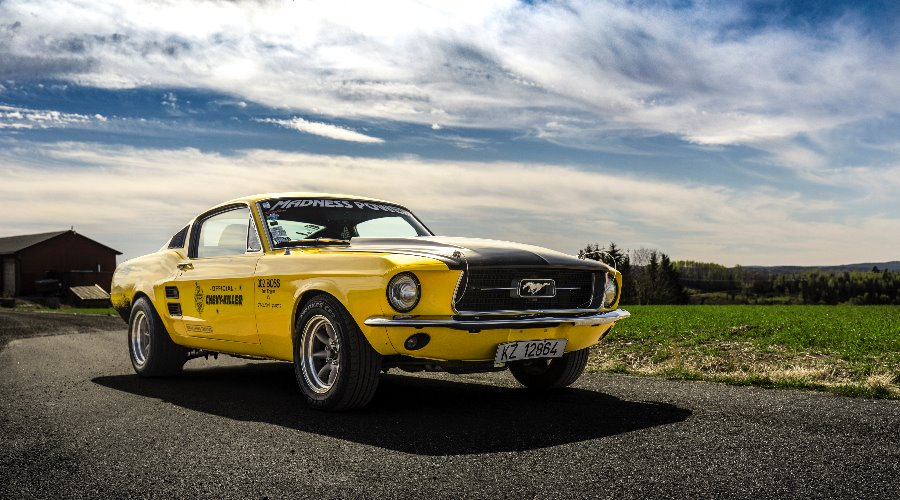 Lillegul - 1967 Ford Mustang