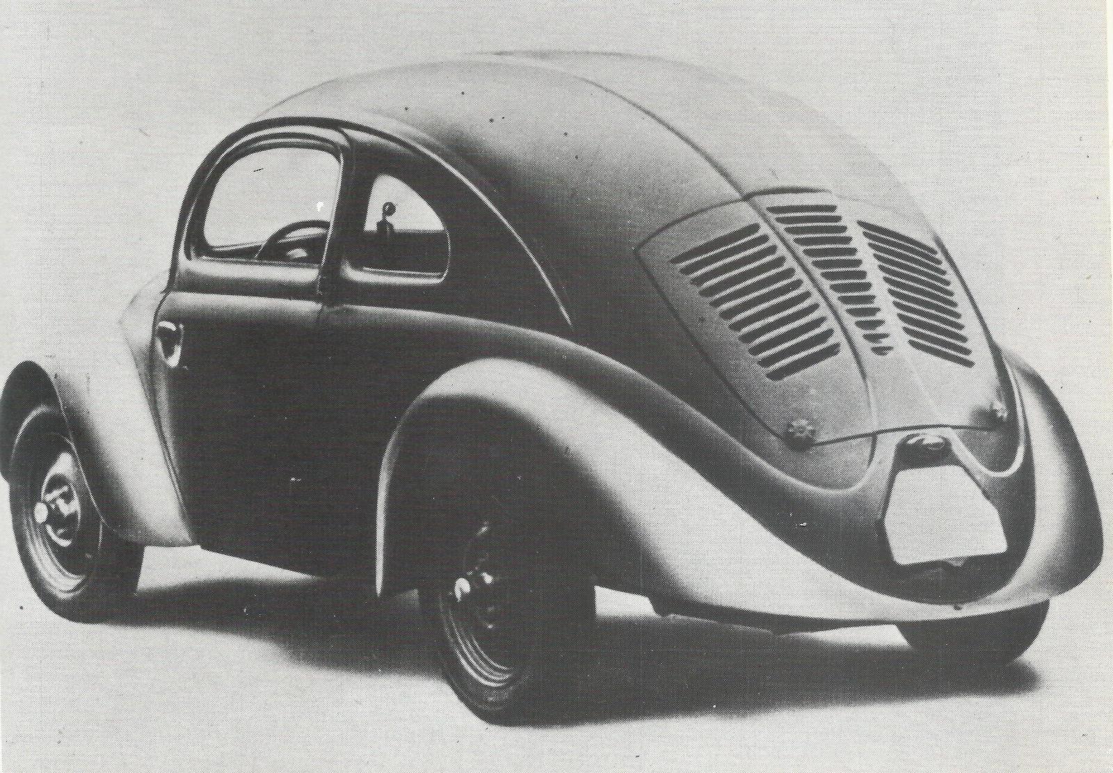 En 1937-modell med selvmordsdører og uten bakrute.