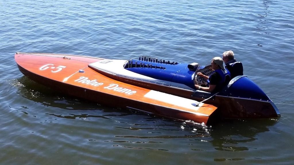 Den nybygde båten. Legg merke til de kompakte dimensjonene. Foto: Dan Arena