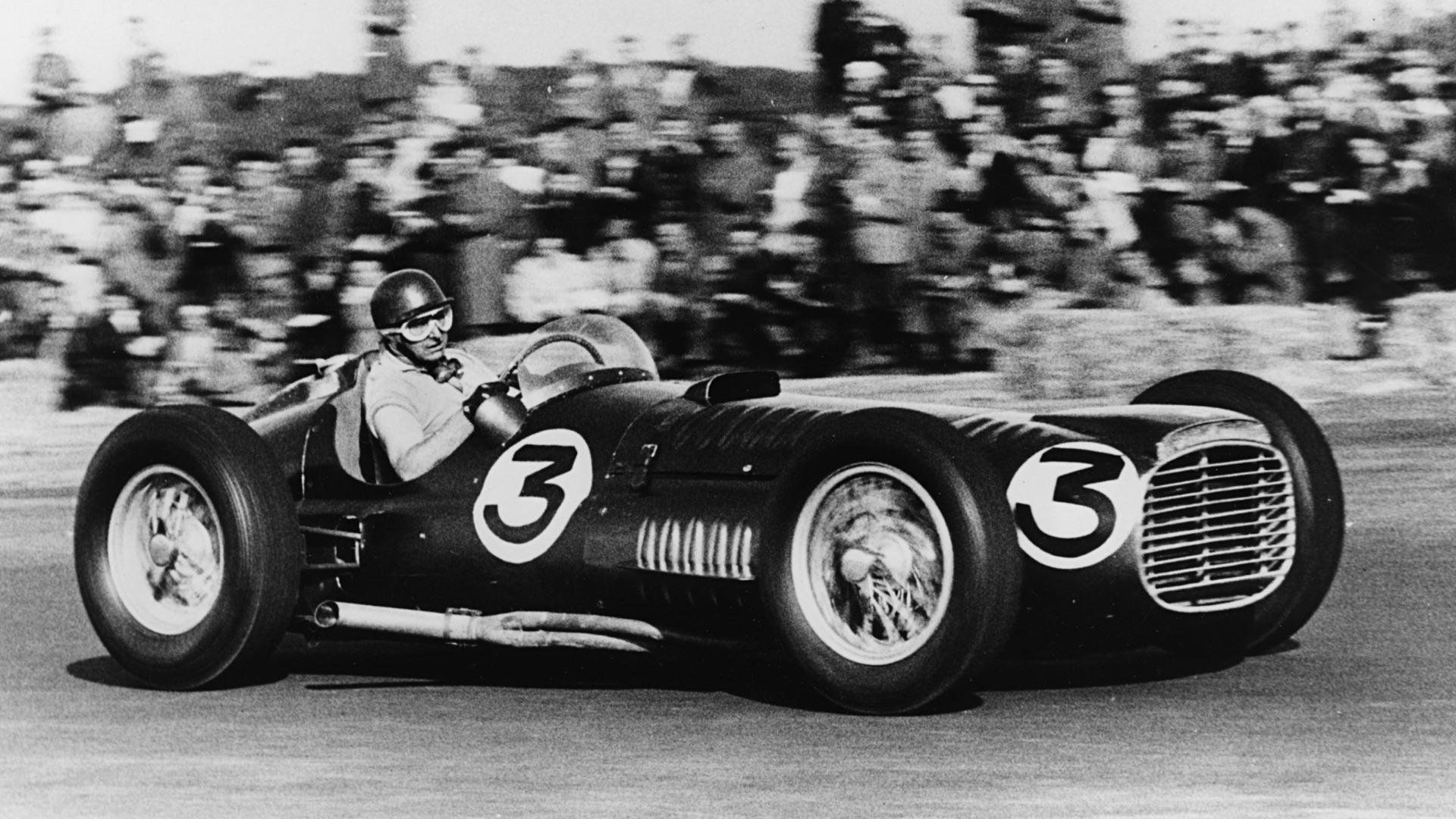 Fangio på Silverstone i 1953