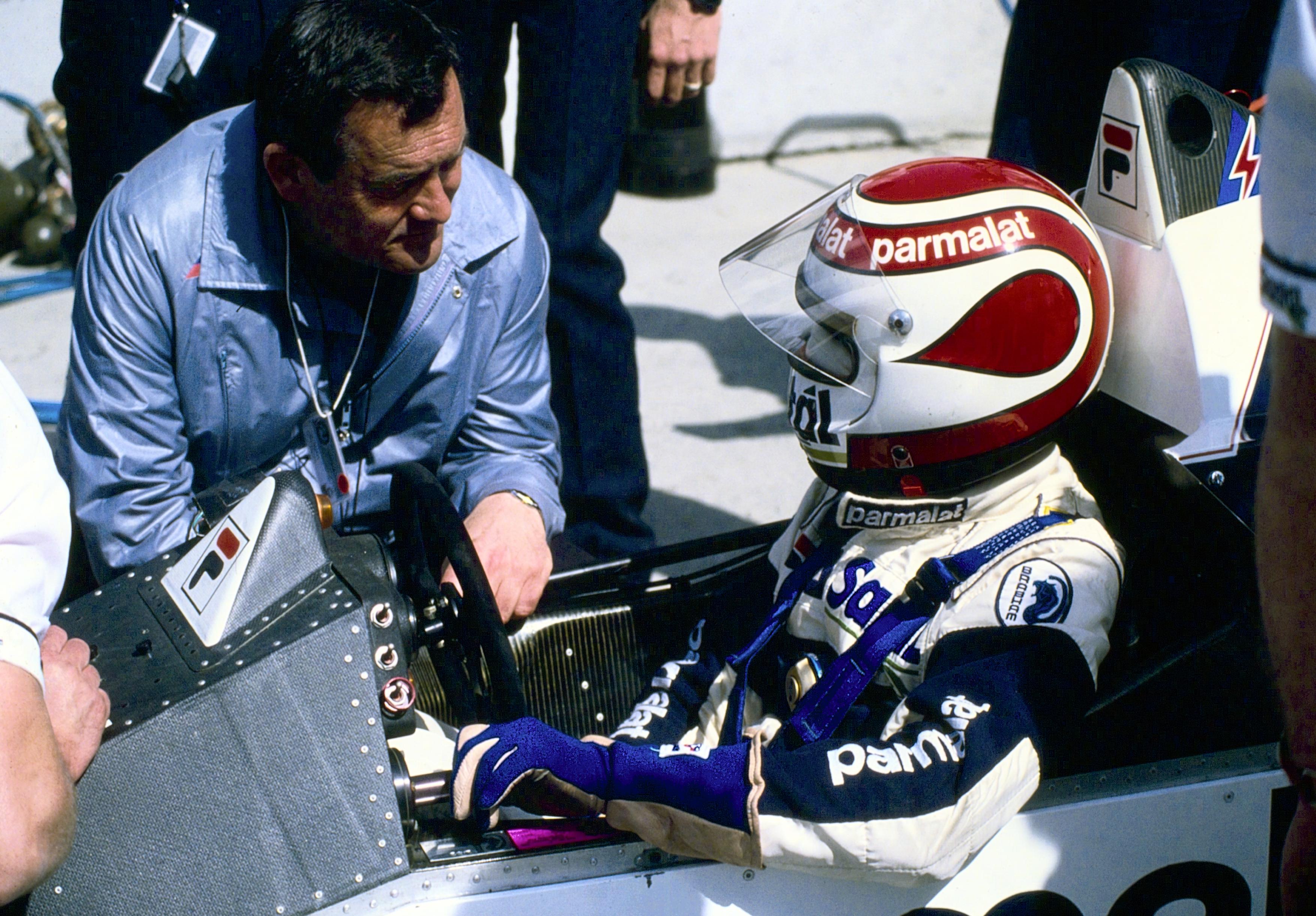 Paul Rosche konfererer med Nelson Piquet.