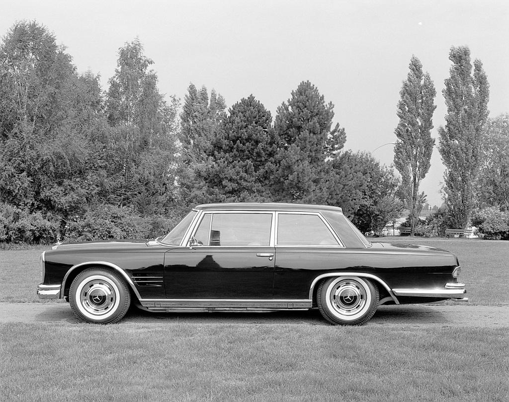 En todørs 600 ble bygget i 1965, men noen produksjon kom aldri.