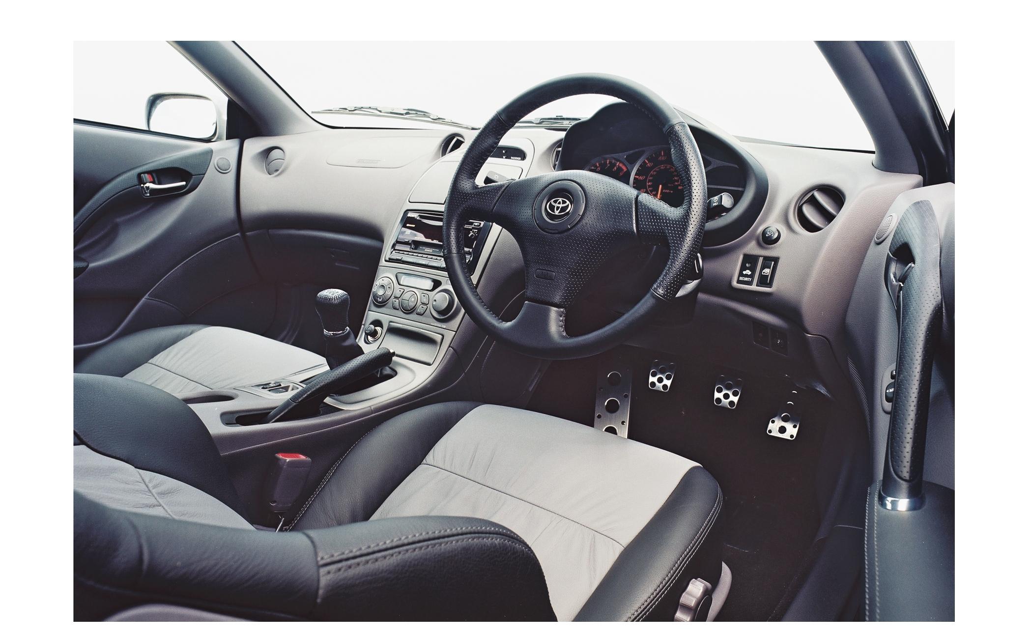 Interiøret på syvende generasjon Toyota Celica