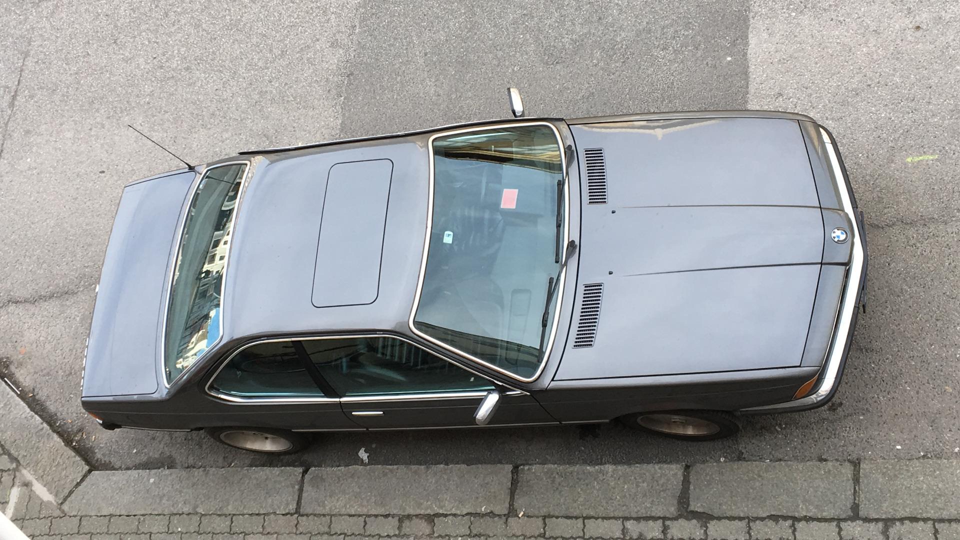 Den spisse og fremoverlente fronten er noe Jansen liker best med bilen.