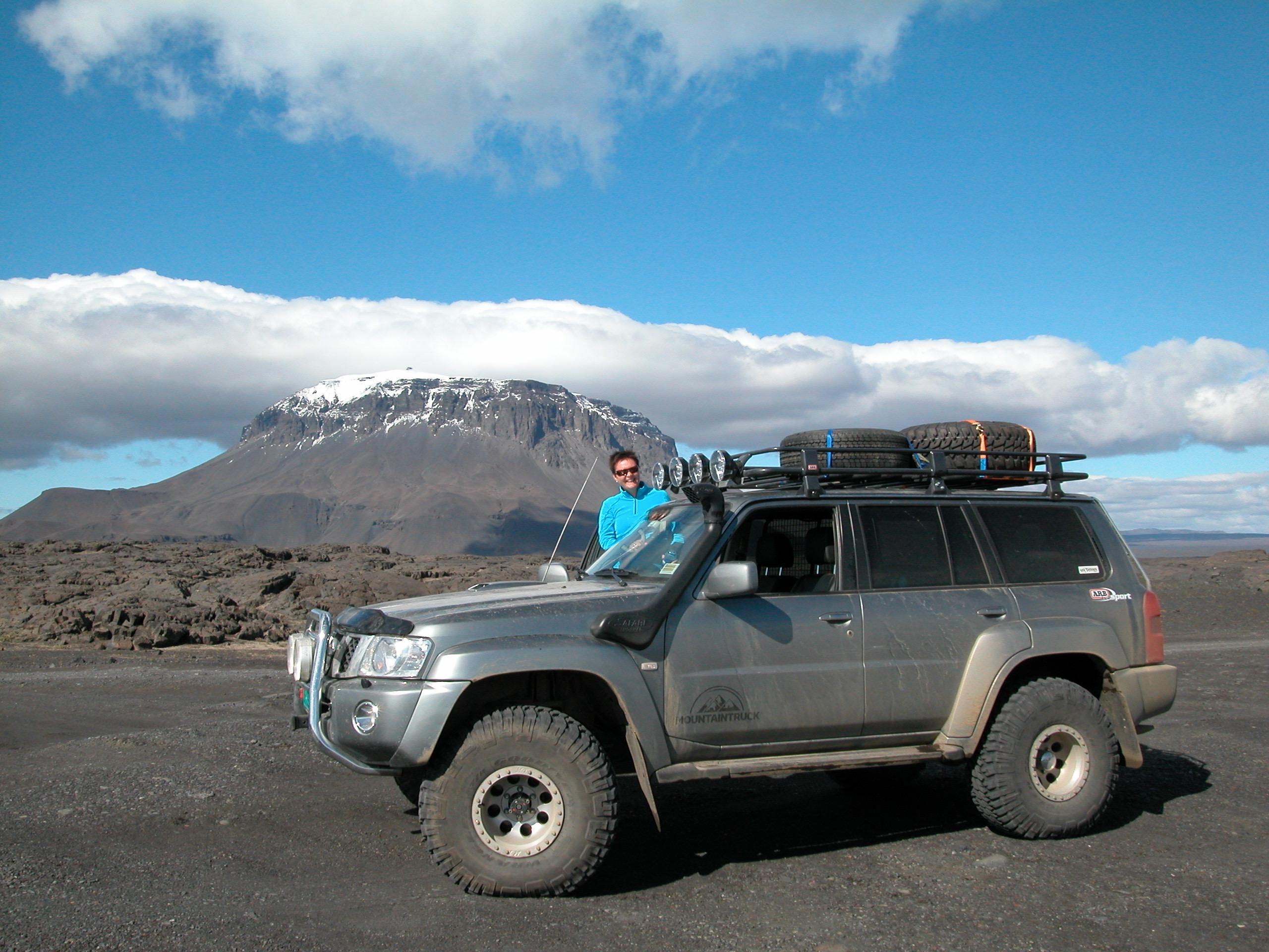 Fra parets mange turer med Nissan Patrol, her fra sommeren 2007.